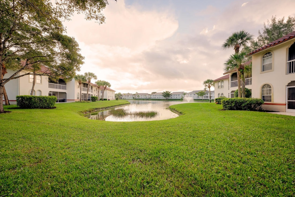 Newly listed rare end unit in the pga national - Keller williams palm beach gardens ...