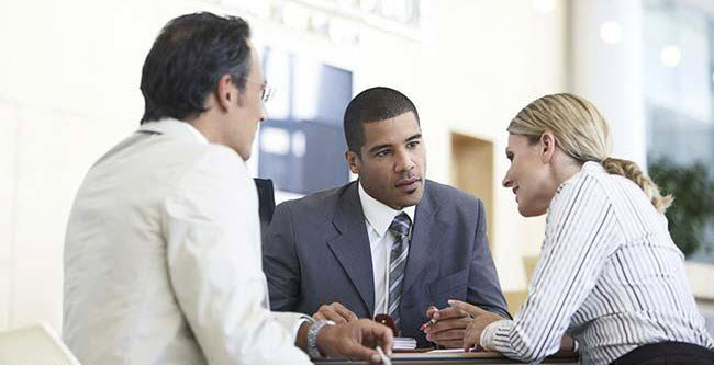 financial_advisor_talking_with_clients_fan20464451.jpg
