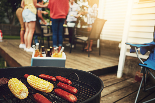 How to Decorate your Backyard for Entertaining