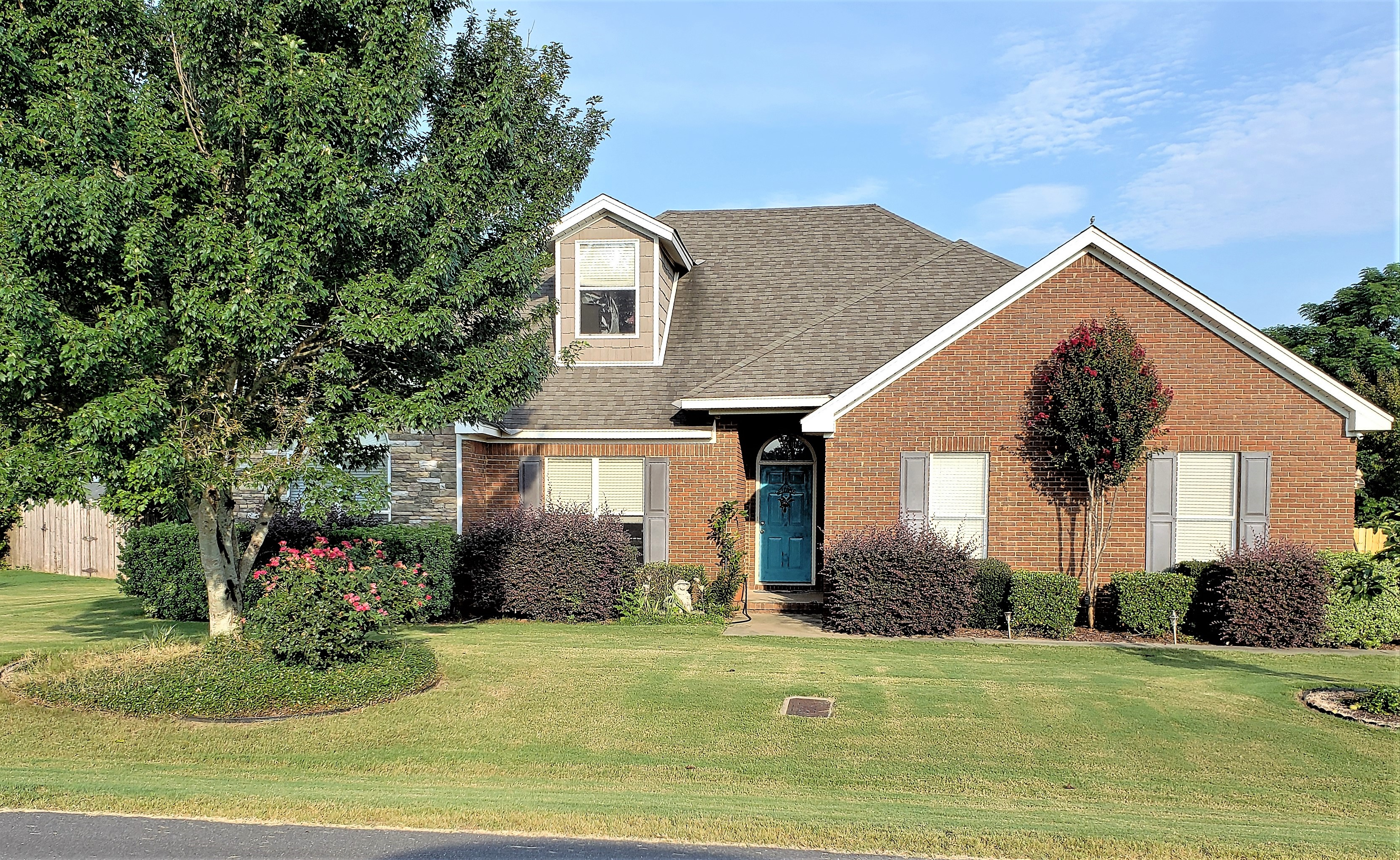 FOR SALE IN MILLBROOK! 3 BED 2 BATH AT 378 SUMMERTIME PARKWAY