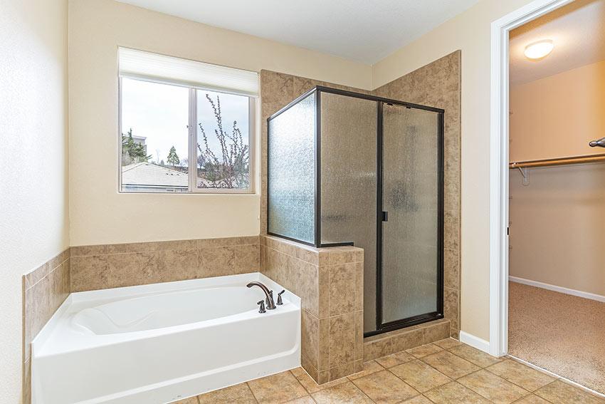 merganser master bath.jpg