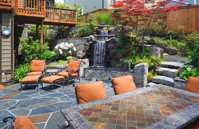 outdoor living space blog.png