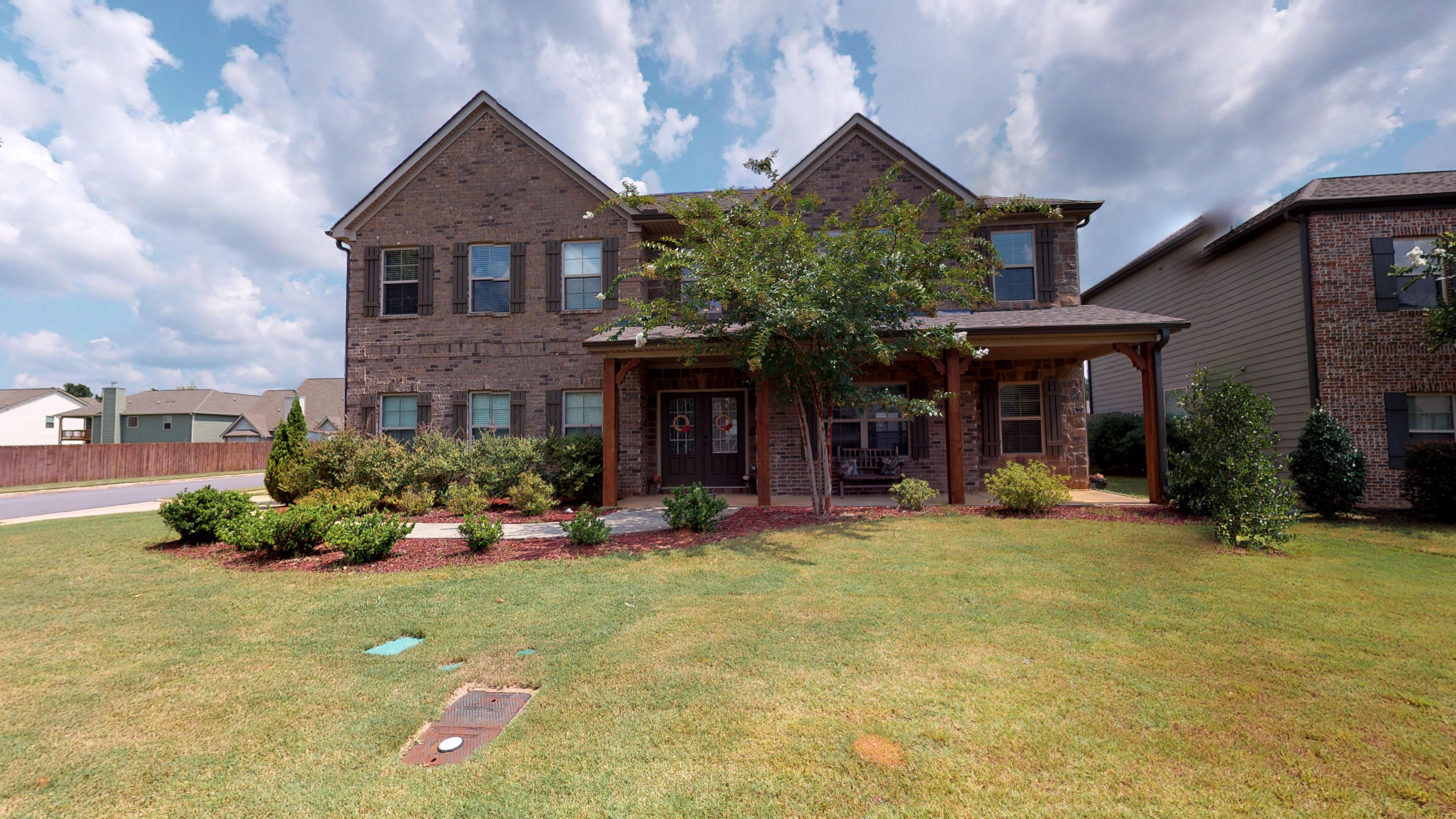 FOR SALE IN OPELIKA! 5 BED 4 BATH AT 3001 STILLWOOD WAY