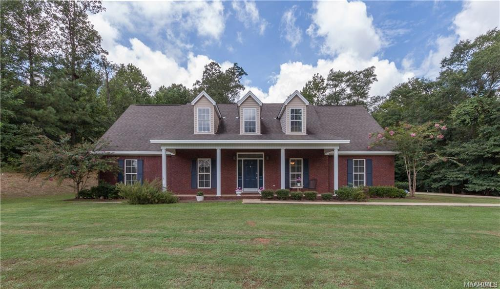 FOR RENT IN PRATTVILLE! 5 BED 3 BATH AT 1008 WINDRUSH LANE
