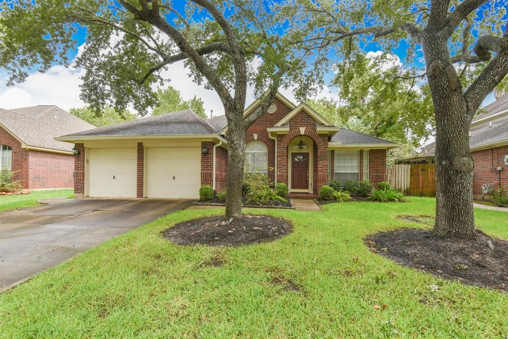 [Featured] 14015 Grand Heights Court, Houston