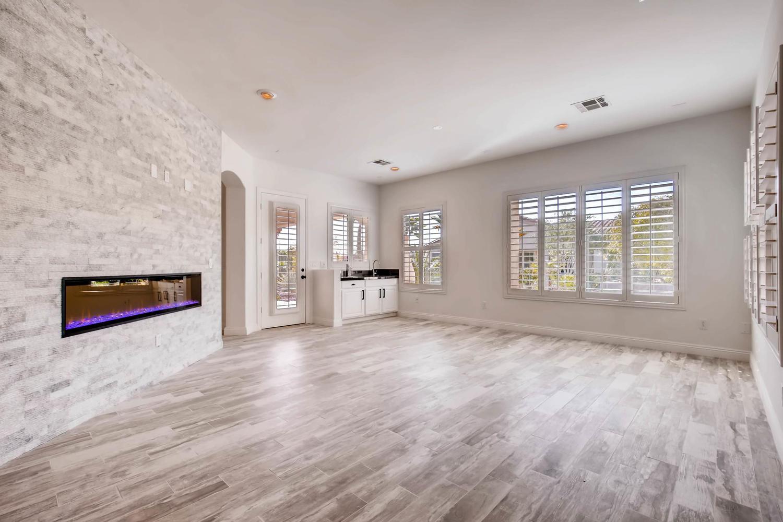 10365 Designata Ave Las Vegas-large-015-14-Family Room-1500x1000-72dpi.jpg