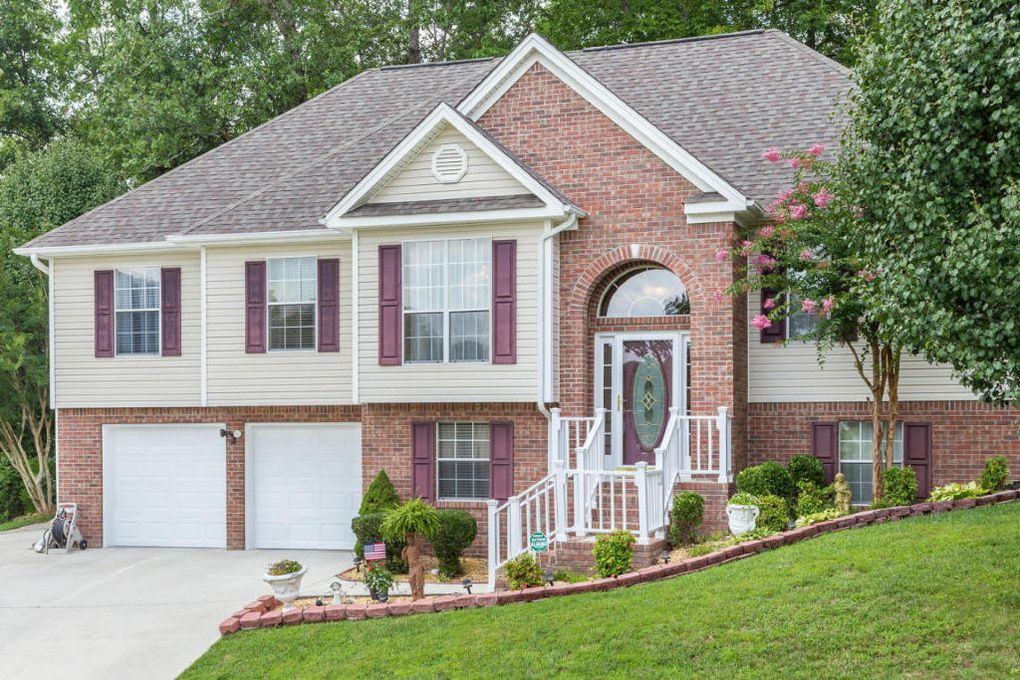 8061 Stillwater Cir, Ooltewah, TN 37363