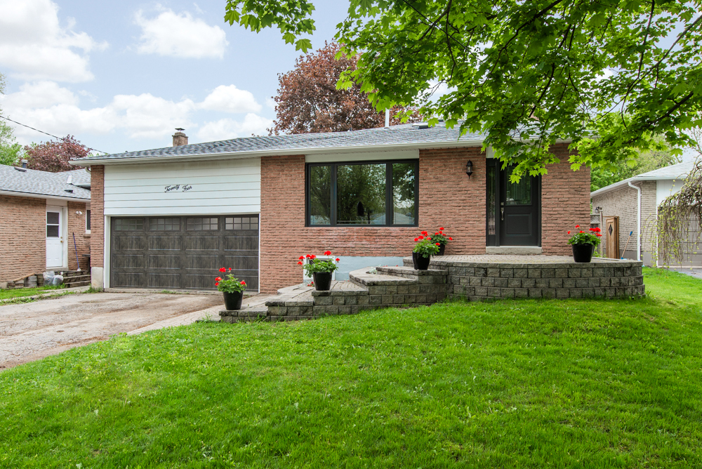 24 Maple Ave W Beeton Real Estate MLS Listing