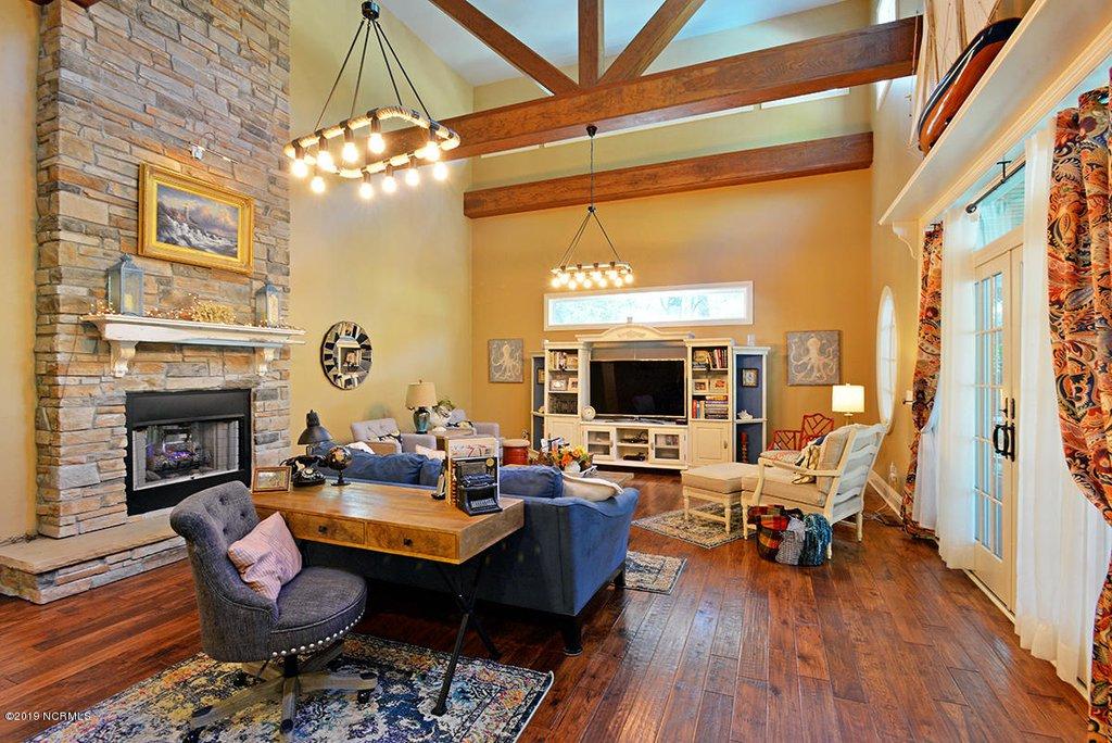 legacy oaks family room.jpg
