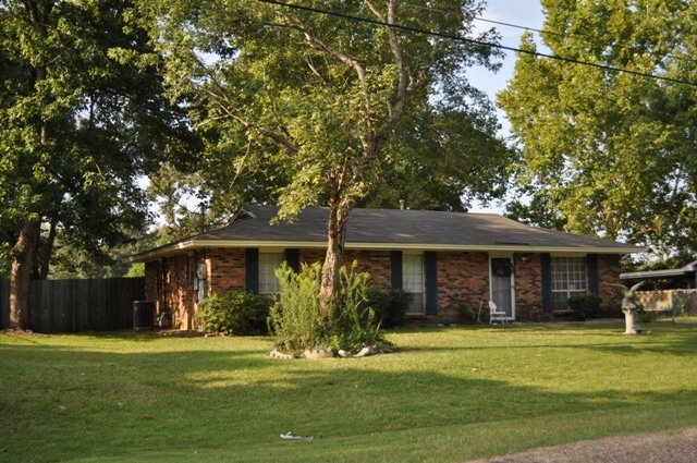 FOR SALE IN MILLBROOK! 3 BED 1 BATH AT 3168 PATRICIA LANE