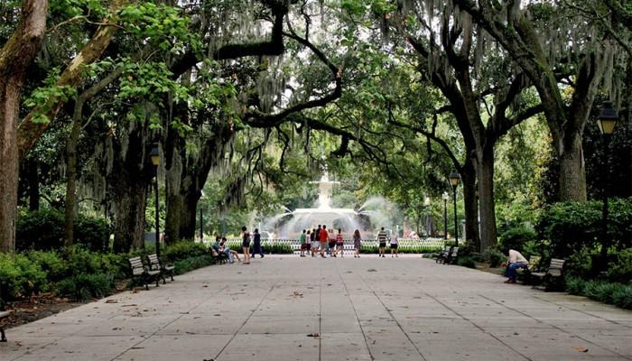 Forsyth-Park-in-Savannah-700x400.jpg