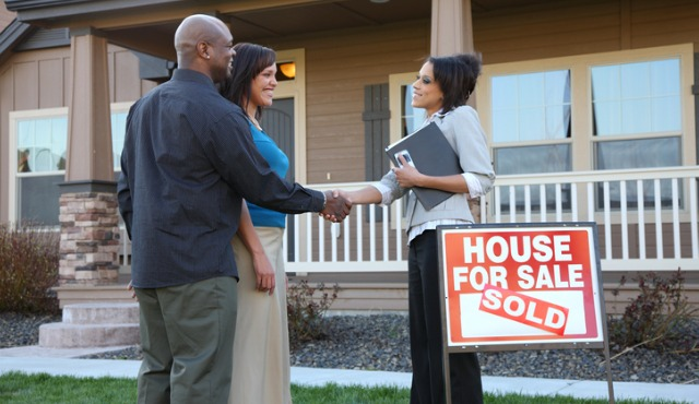 Why Hiring an Agent Is the Key to Buying or Selling a House