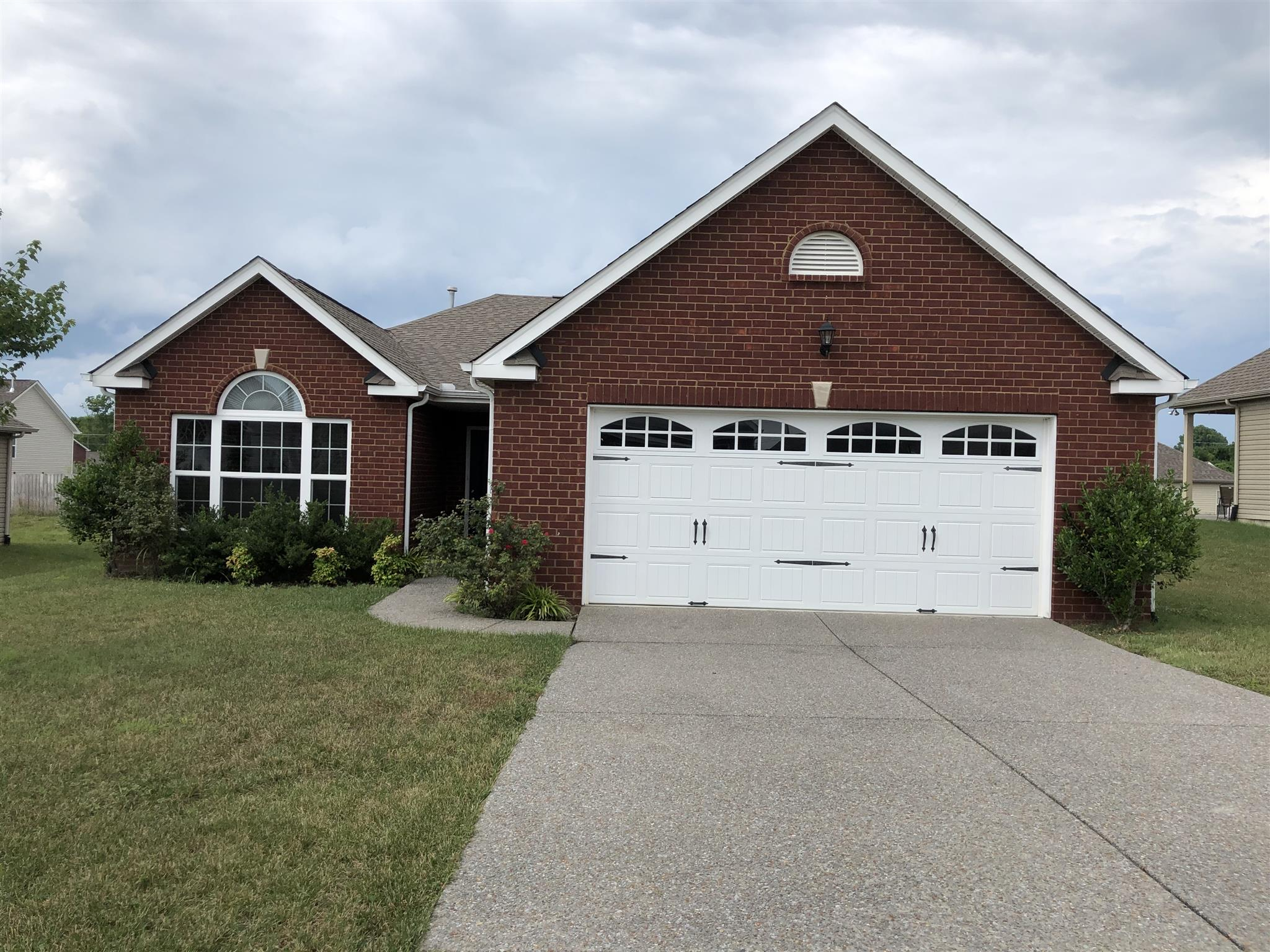 Beautiful All Brick Home With Spacious Kitchen And Living Room Open To Sunroom!  1076 Campbell Ave., Gallatin, TN, 37066