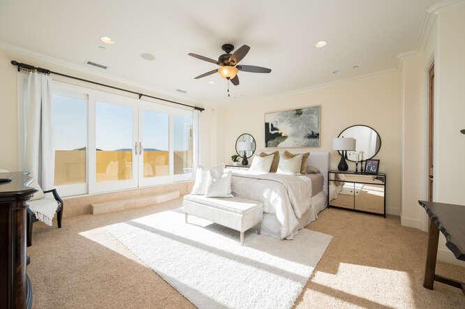 2925 Bayview Dr Pismo Beach CA-small-034-030-Master Bedroom-666x444-72dpi.jpg