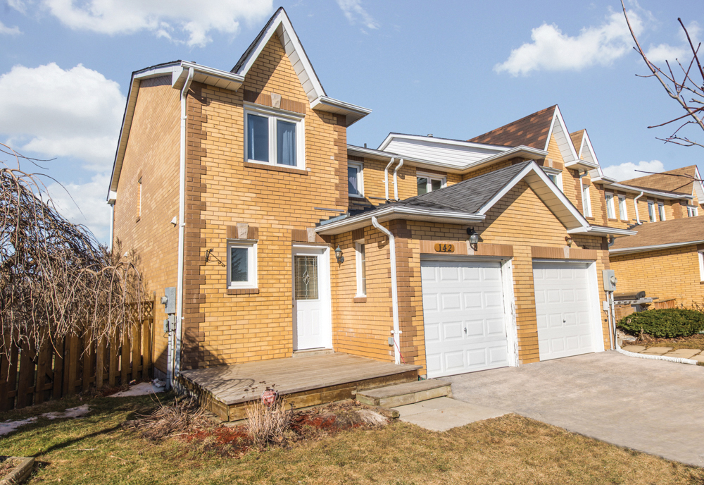 142 Howard Cres