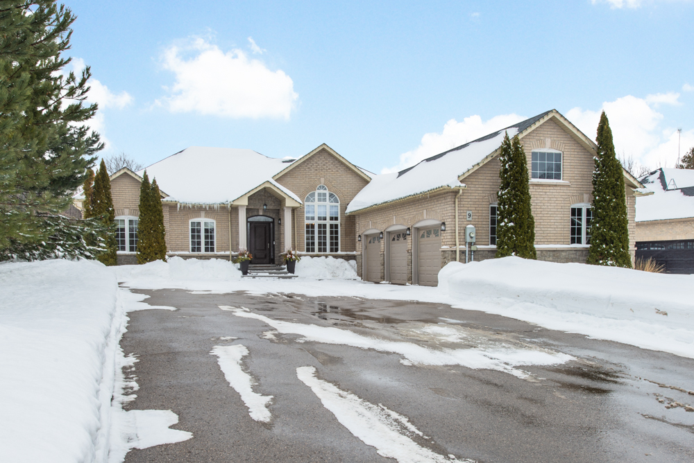 **SOLD** 9 Castlewood Crt, Caledon EXCLUSIVE Real Estate Listing