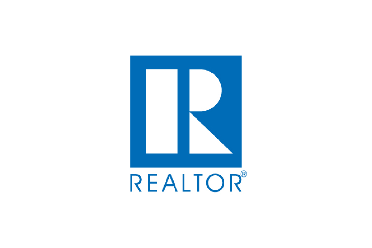 realtor-logo-centered-2018-1200w-800h.jpg