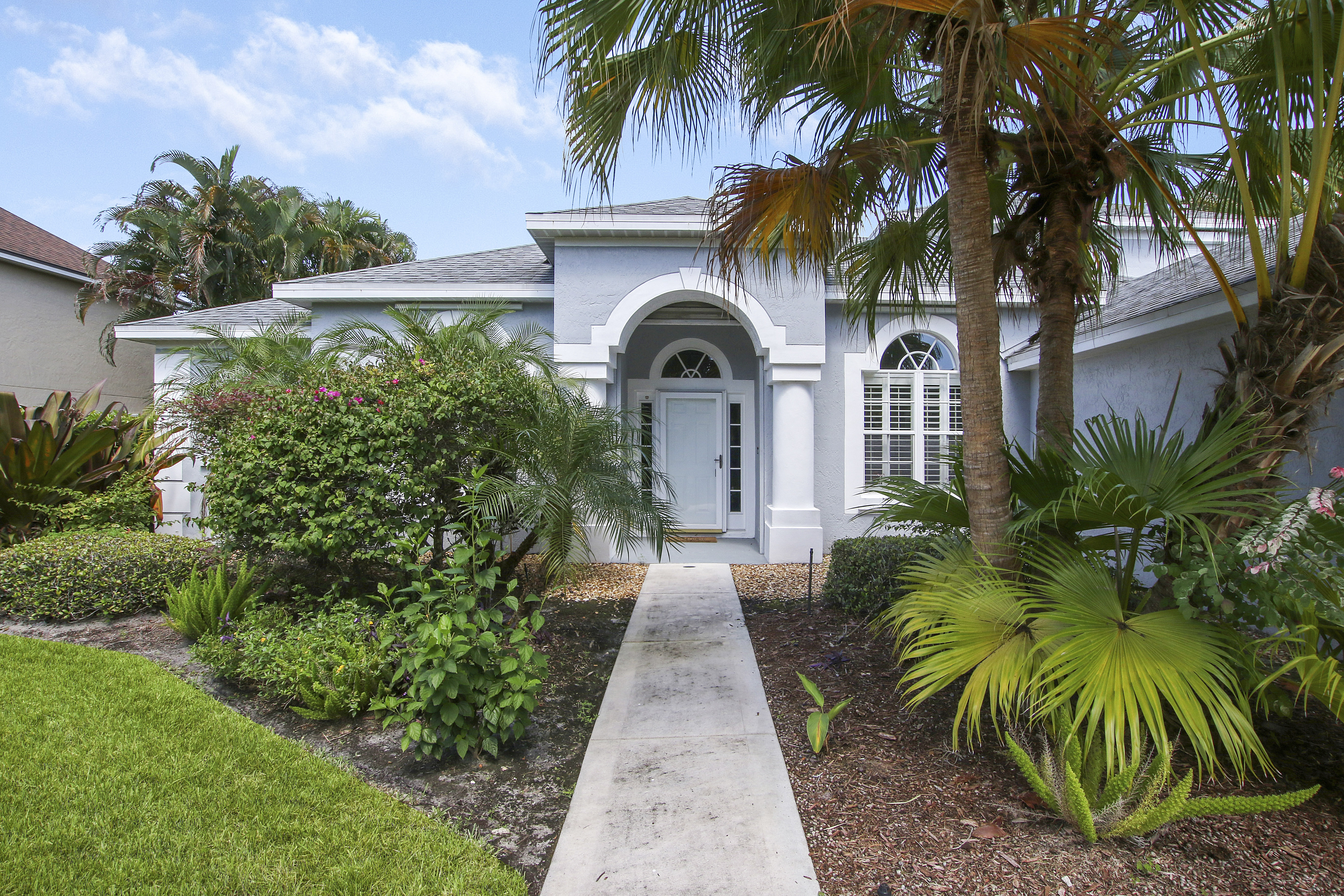 Just Listed!  Beautiful Home in Islesworth!