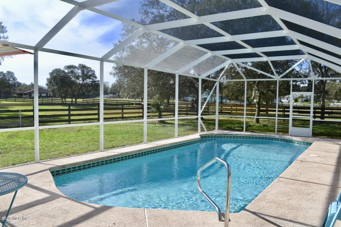 screened in lanai with pool