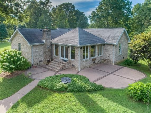 Immaculate One Level Home On Over 7 Acres With  Sun Room And 40 x 40  Workshop!  4533 Wallace Rd. N, Springfield, TN.  37172,