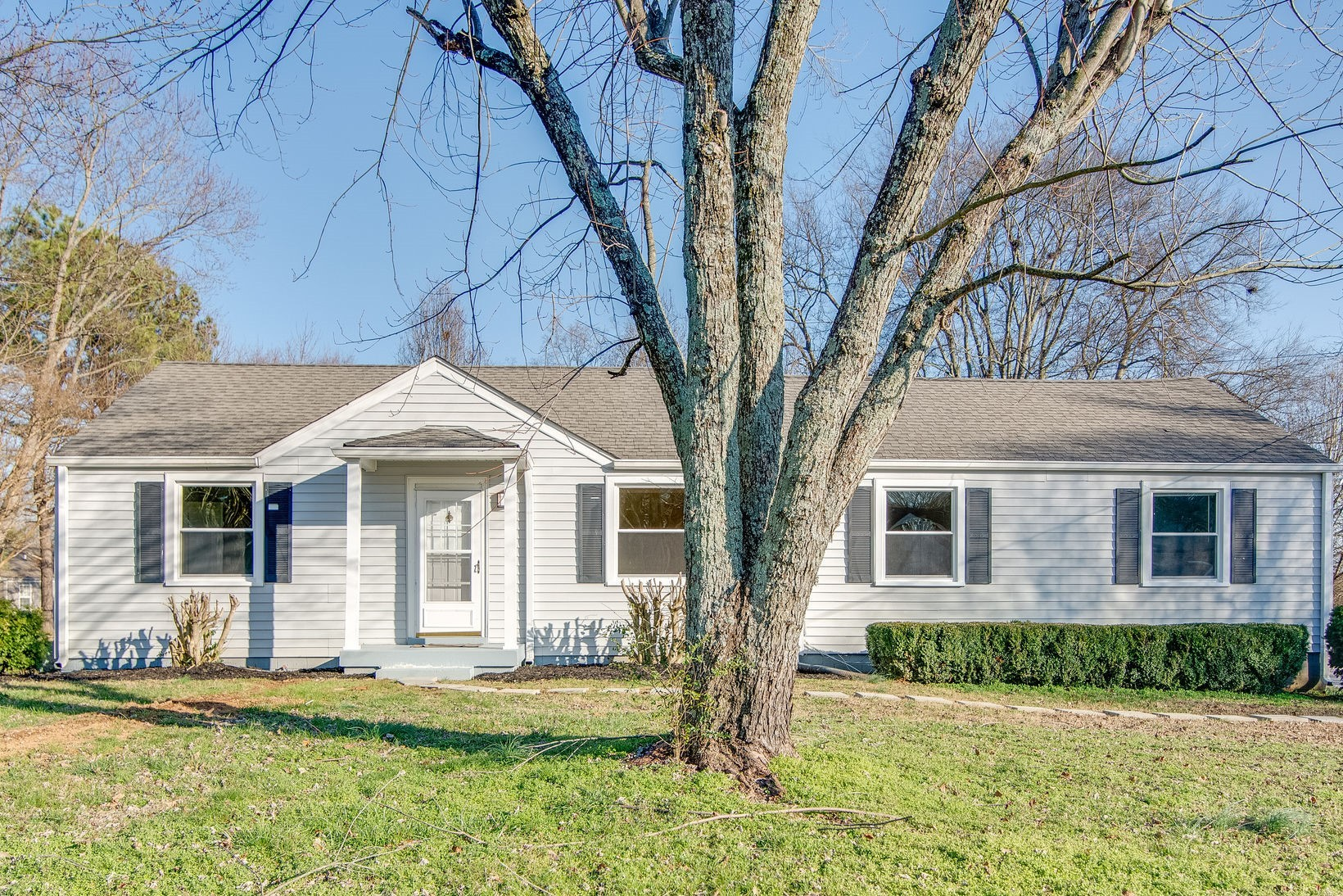 Professionally Renovated Ranch With Lovely Oak Hardwoods And Covered Deck, Level Lot!  111 Gibson Dr., Madison, TN.  37115