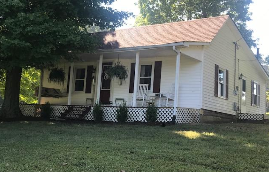 COUNTRY CHARM Springfield Home for Sale under $200,000