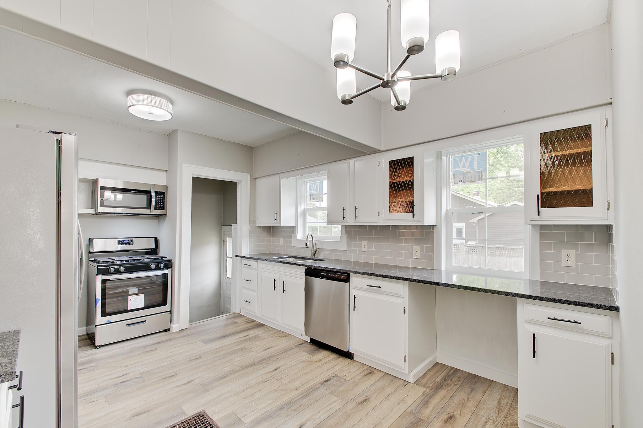 11-Kitchen.jpg