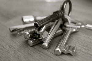 key-metal-home-security-67609-300x199.jpeg