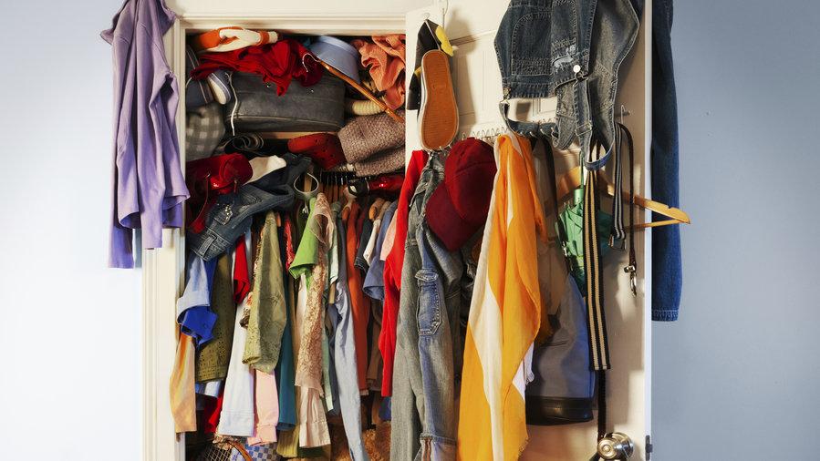 empty-closet-getty-sun-0116.jpg