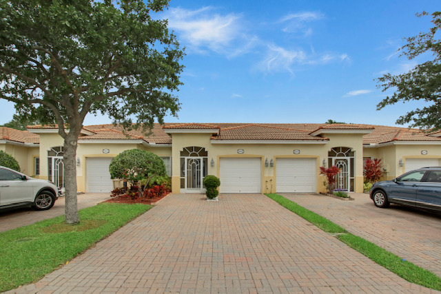 Just Listed! Beautiful Villa in Baywinds