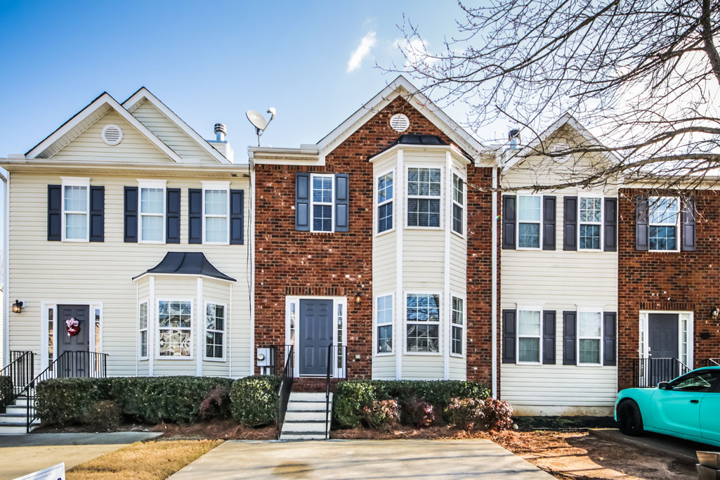 Awesome Townhome in Great Neighborhood!