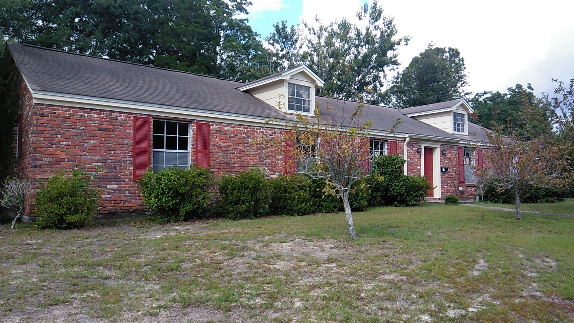 FORECLOSURE! OWN FOR LESS THAN RENT! 4 Bedroom 2 Bathroom Home for ONLY $143,000!