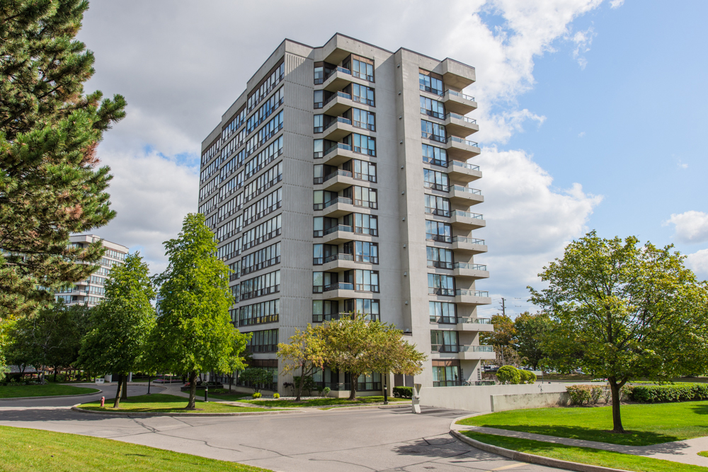 813-12 Laurelcrest St, Brampton Real Estate MLS Listing