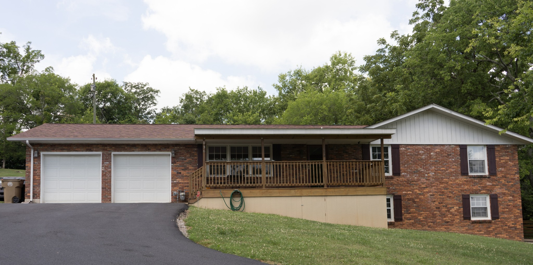 4 BR/3 BA All Brick Home On Nearly An Acre Lot!  136 Port Drive, Madison, TN,  37115