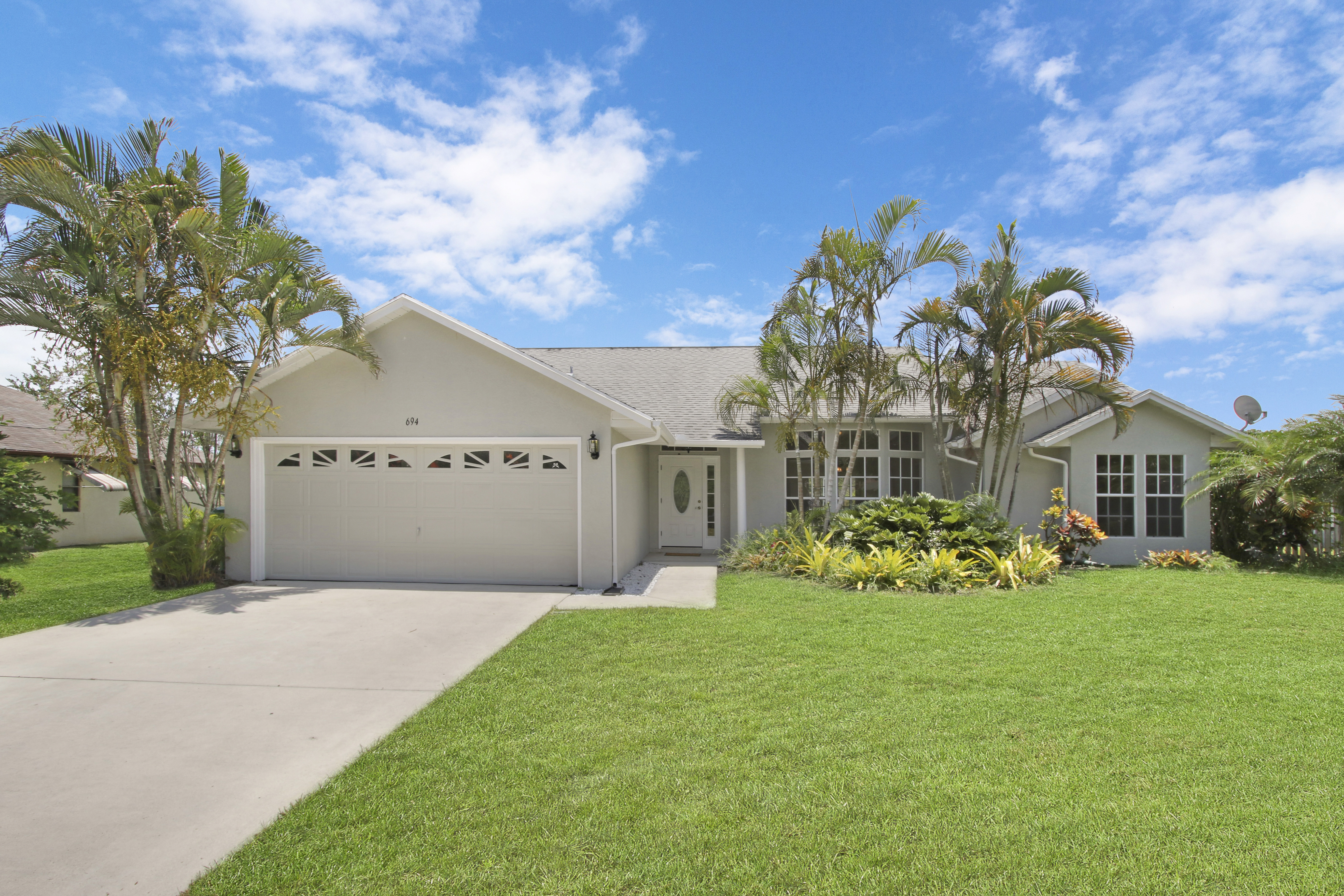 Just Listed: Stunning & Completely Renovated Home in Port St Lucie
