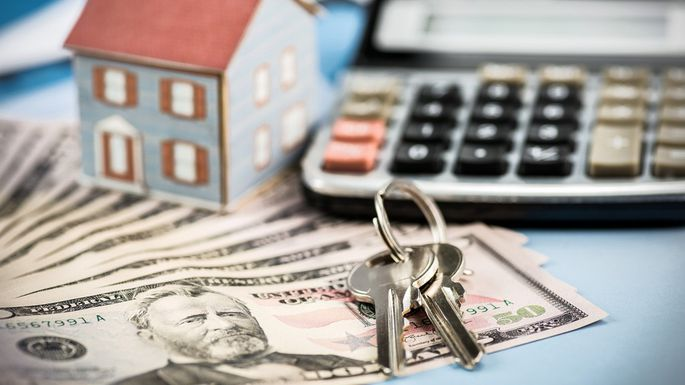 What Really Happens When You Sell Your House for More Than You Owe on a Loan