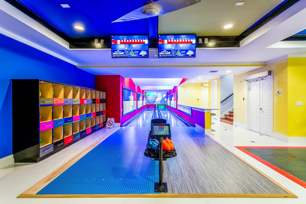 bowling-alley-villa-reunion-resort.jpg