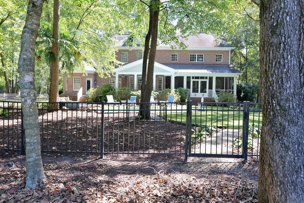 legacy oaks backyard.jpg