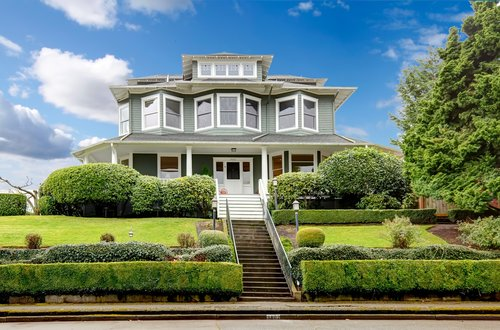 The Benefits of Listing with an Agent