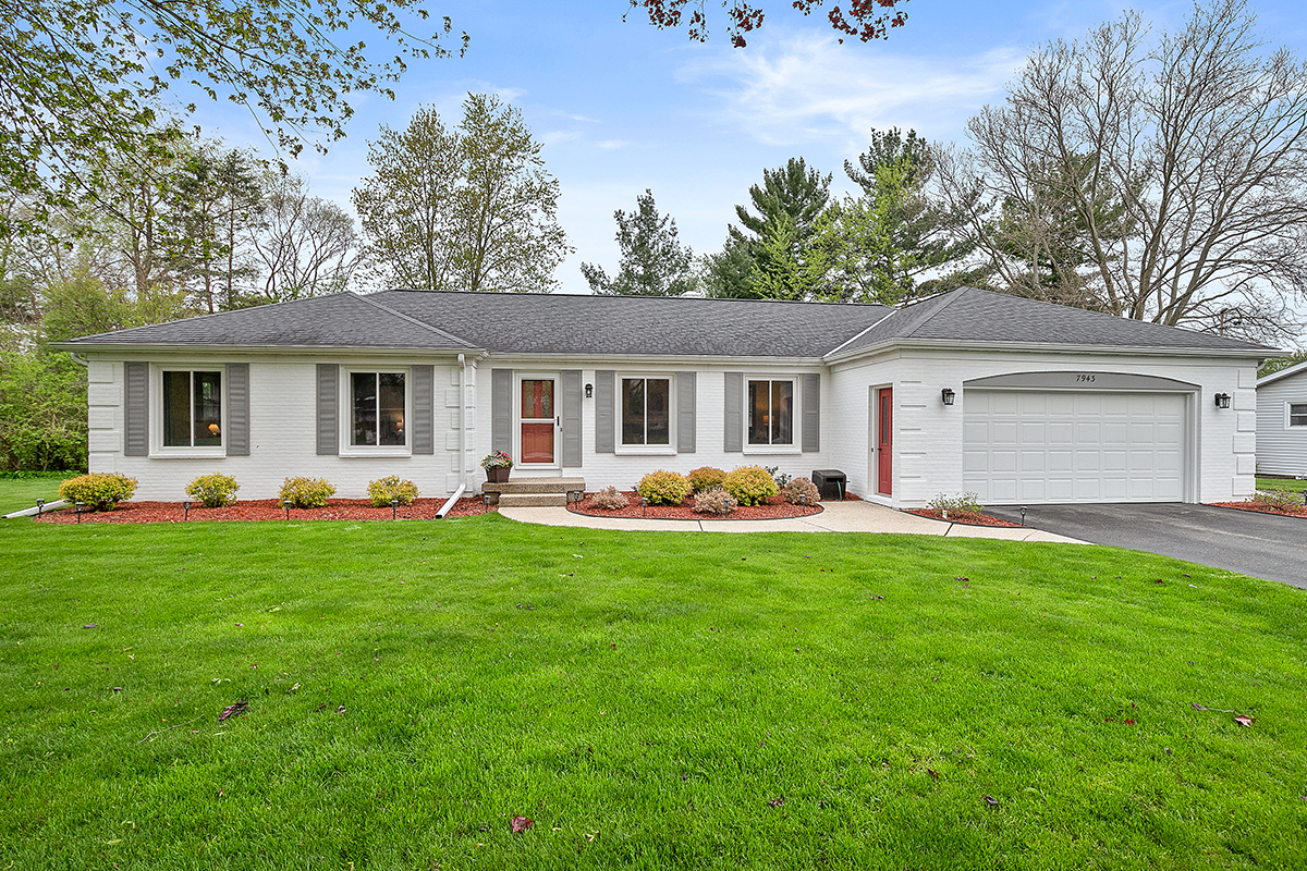 New Listing in Jenison: Well maintained Ranch Home