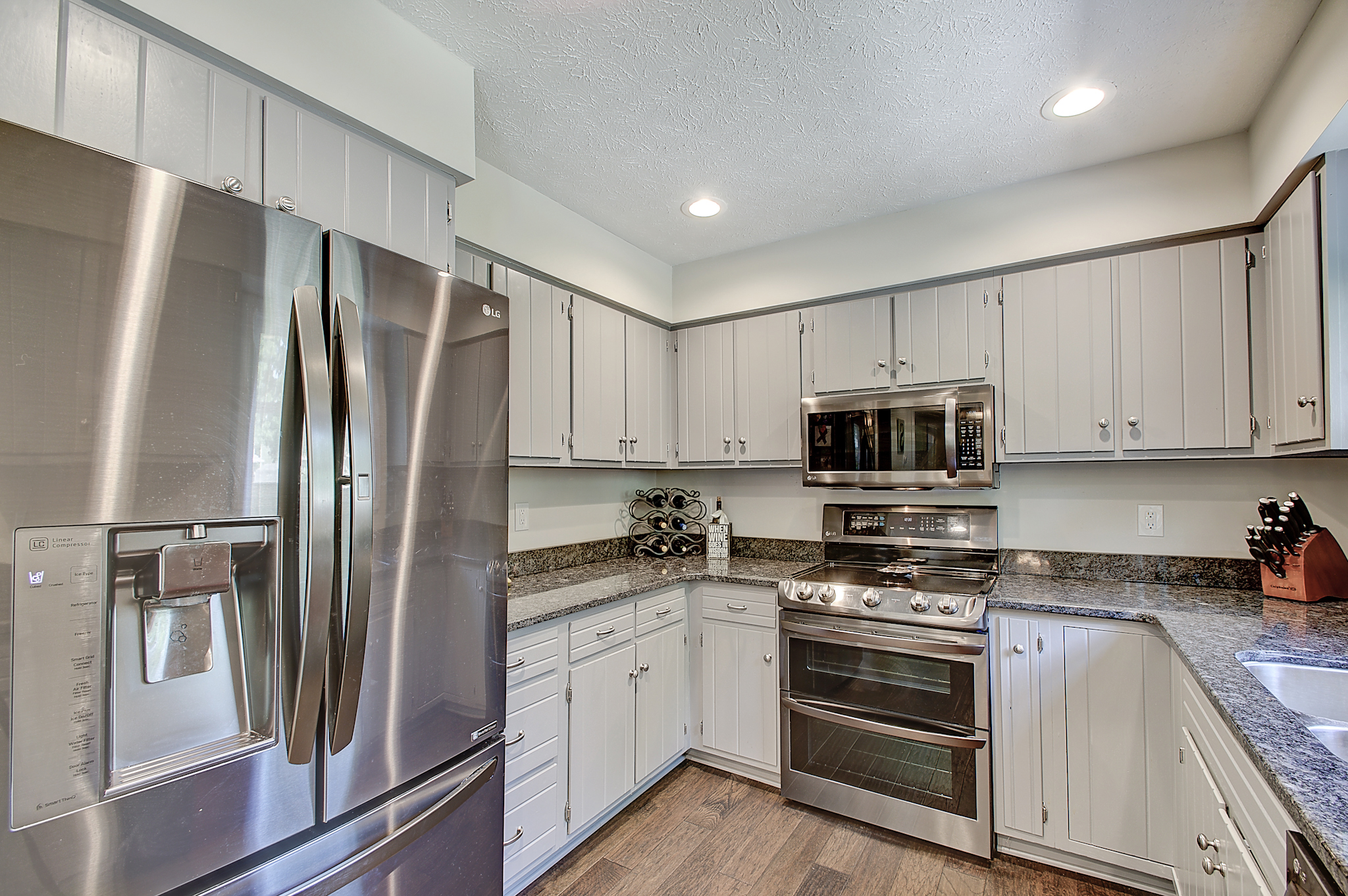 7-Kitchen View 2.jpg