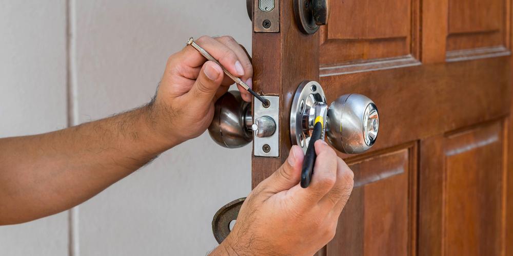 change-door-locks-cost.jpg