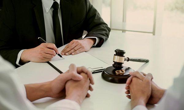 contested-divorce-thailand-600x360.jpg