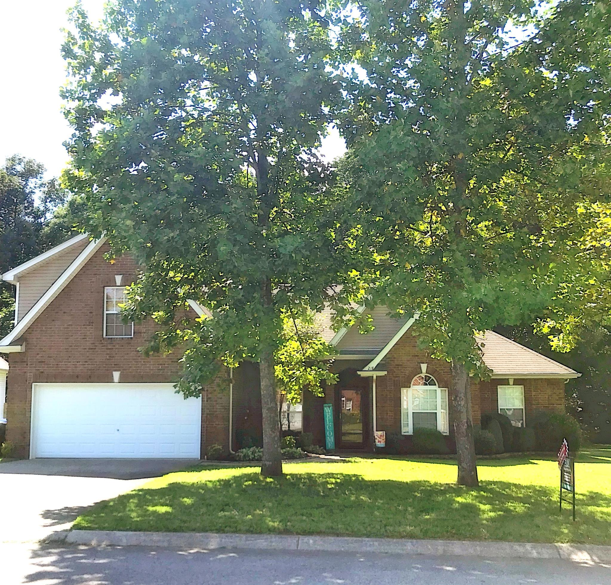 Beautiful Home in Quiet Neighborhood, 218 Foster Dr White House TN Home For Sale