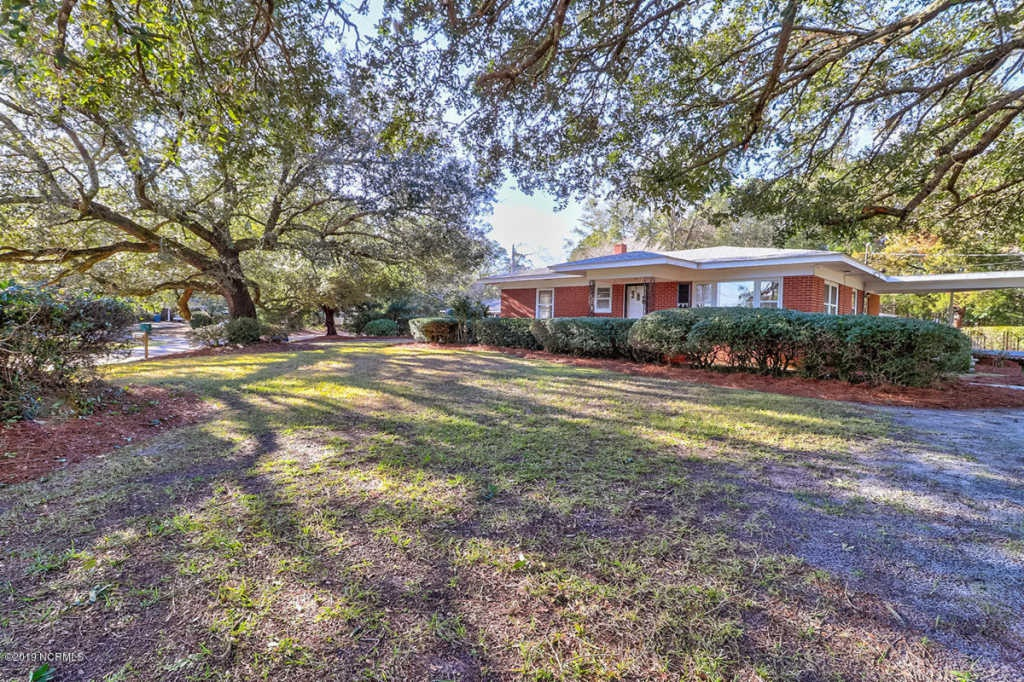House Hunting with KBT: What's to Love at 221 Spruce Drive in Wilmington NC