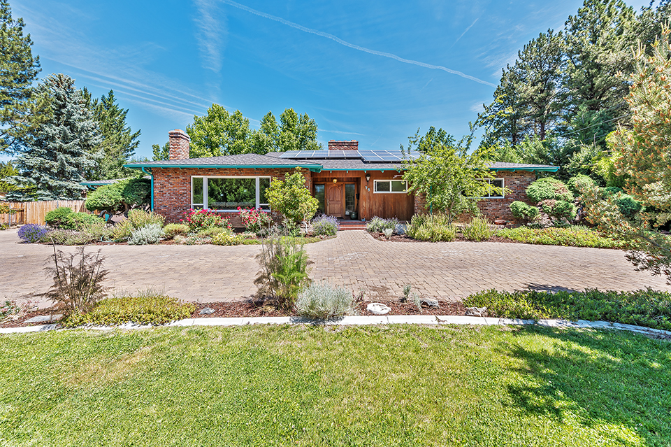 Just Listed: 75 Southridge Drive
