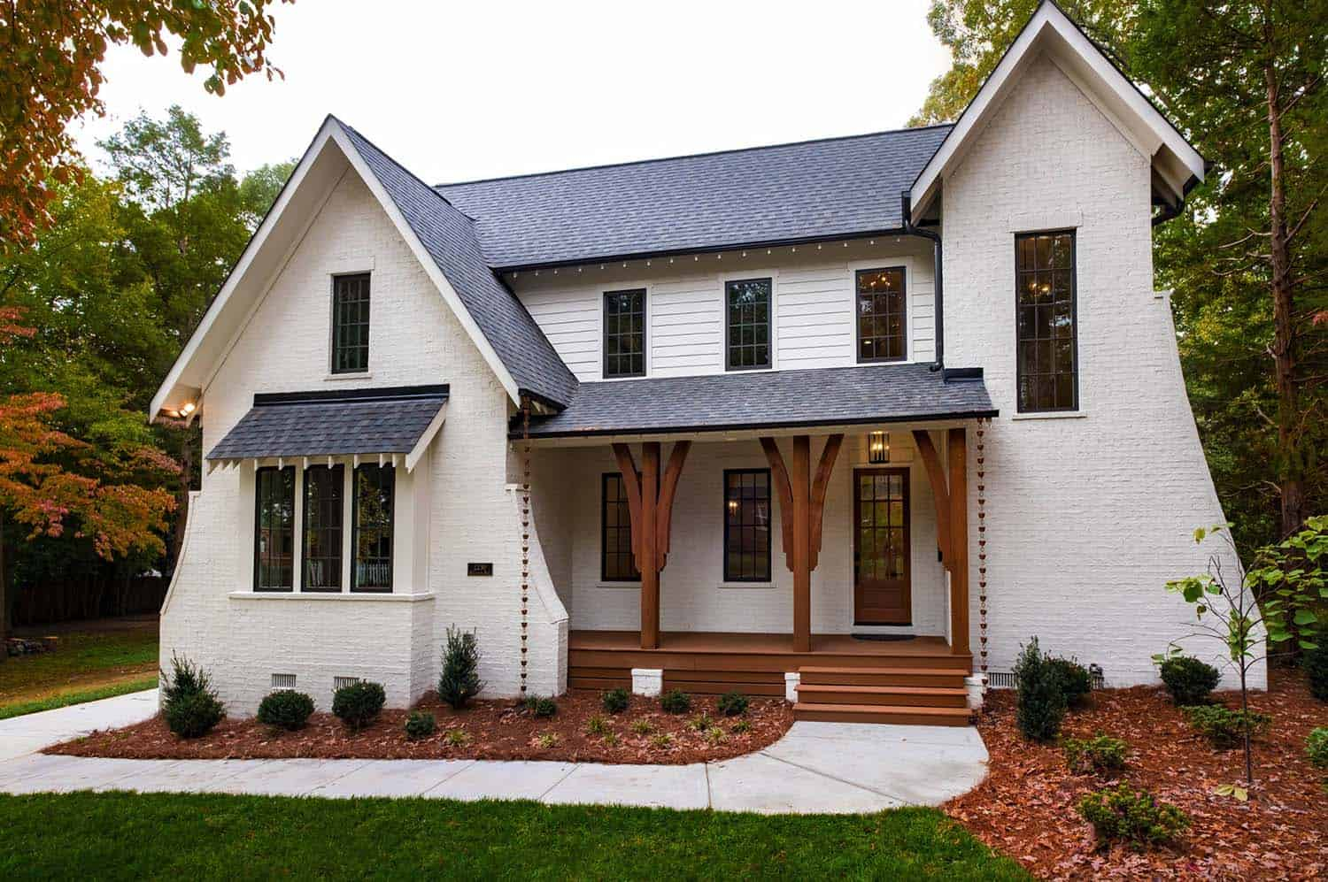 Traditional-Style-Home-Pike-Properties-01-1-Kindesign.jpg