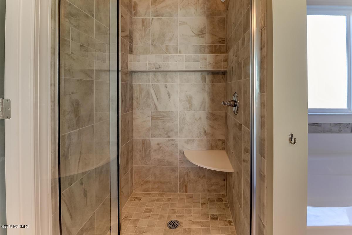 3723 shower.jpg