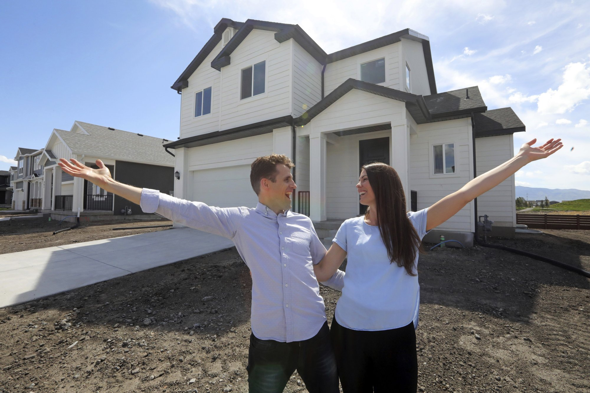 Young homebuyers scramble as prices rise faster than incomes By JOSH BOAK and LARRY FENN May 25, 2019