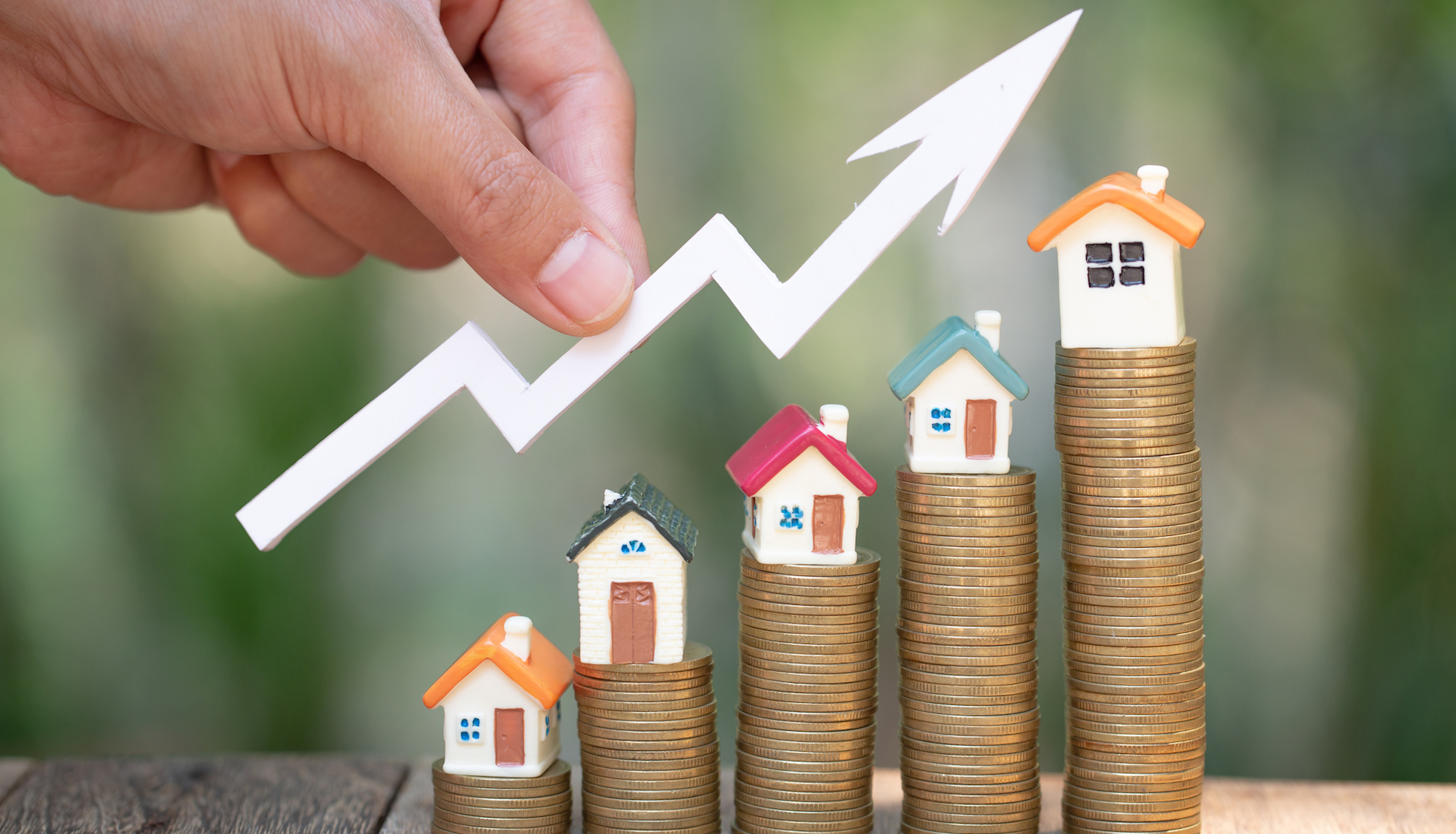 What Are the Experts Saying About Future Home Prices?